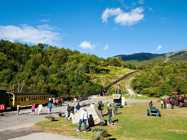 USA, Neuengland, Mount Washinton Cog Railway, 04.09.2010<br /> <br /> Engl.: USA, New England, Mount Washington Cog Railway, landscape, nature, traffic, 04 September 2010