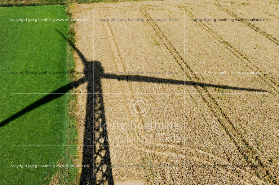 Deutschland Schatten einer neuen Gitterstahlmastkonstruktion durch Butzkies Stahlbau GmbH fuer eine Vensys Windkraftanlage in Steinburg bei Glueckstadt | GERMANY shadow of new innovative construction of a steel lattice tower for Vensys wind turbine