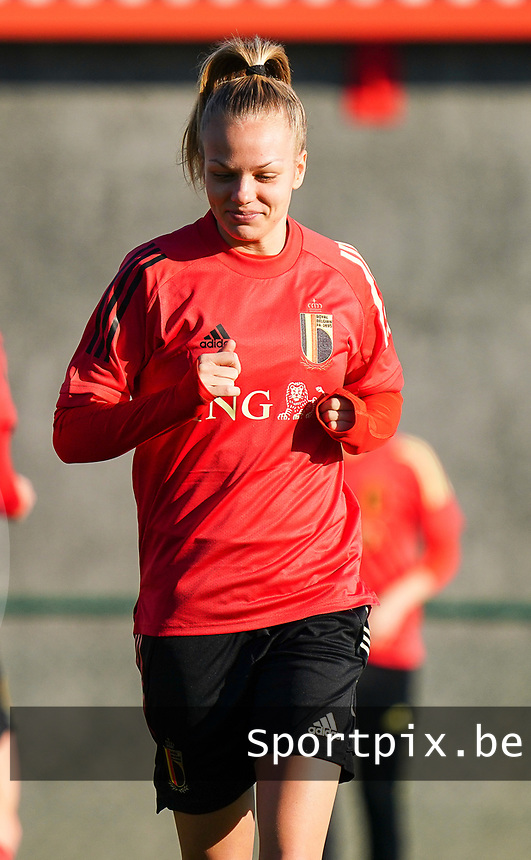 20200911 - TUBIZE , Belgium : Sarah Wijnants pictured during the training session of the Belgian Women's National Team, Red Flames ahead of the Women's Euro Qualifier match against Switzerland, on the 28th of November 2020 at Proximus Basecamp. PHOTO: SEVIL OKTEM | SPORTPIX.BE