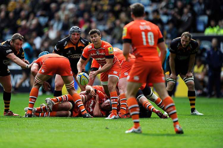 Ben Youngs of Leicester Tigers passes the ball