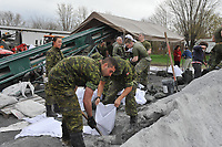 Innondation,Saint-Jean-sur-Richelieu , Mai 2011<br /> <br /> Photo : Agence Quebec Presse.<br /> <br /> Near Saint-Jean-sur-Richelieu (QC) CANADA - May 2011 file photo ; the Army is called in to help after the flood of land beside the Richelieu river south of Montreal
