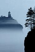 Split Rock lighthouse, Split Rock State Park, Minnesota, Lake Superior, early morning fog.