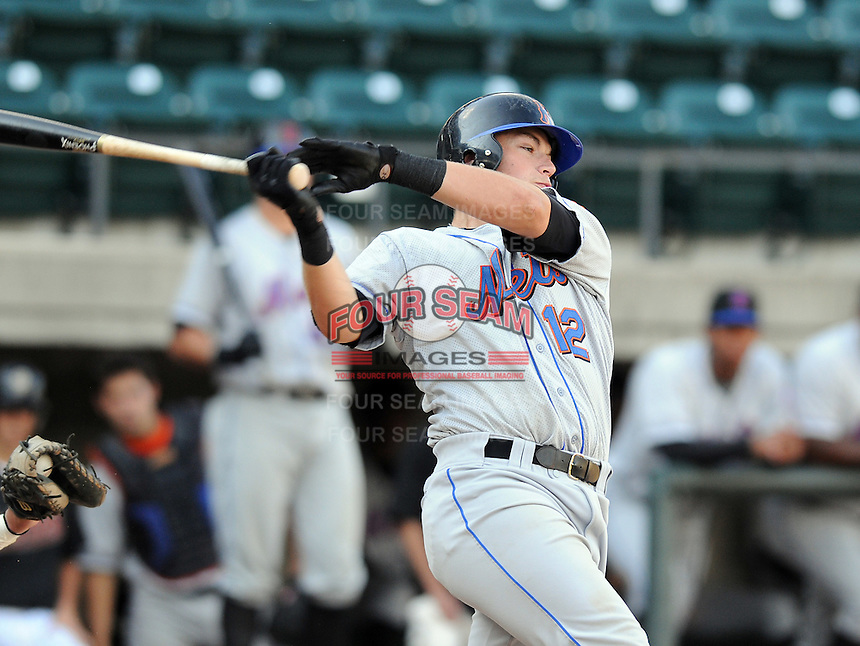 August 2, 2009: Catcher Taylor Freeman (12) of the Kingsport Mets, rookie Appalachian League affiliate of the New York Mets, in a game at Pioneer Park in Greeneville, Tenn. Photo by:  Tom Priddy/Four Seam Images