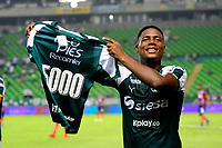 PALMIRA-COLOMBIA, 19-02-2019: Danny Rosero de Deportivo Cali celebra el gol 5000 de su equipo. Gol anotado durante partido de la fecha 5 entre Deportivo Cali y Unión Magdalena, por la Liga Aguila I 2019, jugado en el estadio Deportivo Cali (Palmaseca) en la ciudad de Palmira. / Danny Rosero of Deportivo Cali celebrates the 5000 scored goal from his team. Scoring goal during a match of the 5th date between Deportivo Cali and Union Magdalena, for the Liga Aguila I 2019, at the Deportivo Cali (Palmaseca) stadium in Palmira city. Photo: VizzorImage  / Nelson Ríos / Cont.