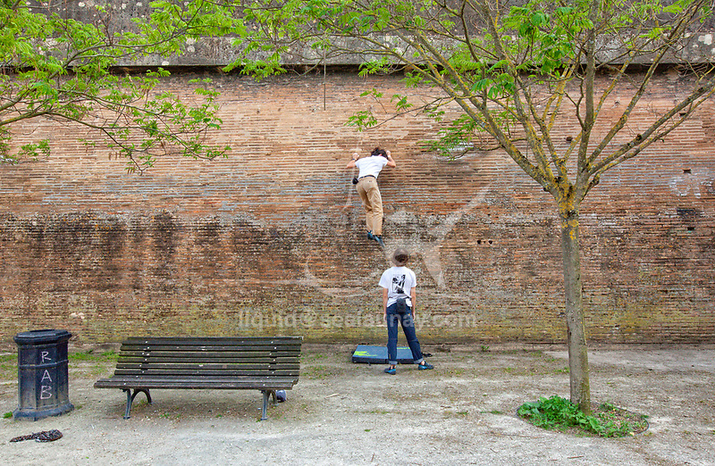 Urban climbing in Bordeaux.<br /> Bordeaux is a port city on the Garonne in the Gironde department in Southwestern France.<br /> It is the capital of the Nouvelle-Aquitaine region, as well as the prefecture of the Gironde department.