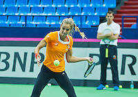 Moskou, Russia, Februari 4, 2016,  Fed Cup Russia-Netherlands,  Dutch team practise doubles  Arantxa Rus and in the background captain Paul Haarhuis(R)<br /> Photo: Tennisimages/Henk Koster