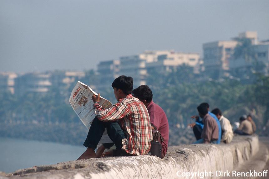Auf dem Marine Drive, Bombay (Mumbai), Maharashtra, Indien