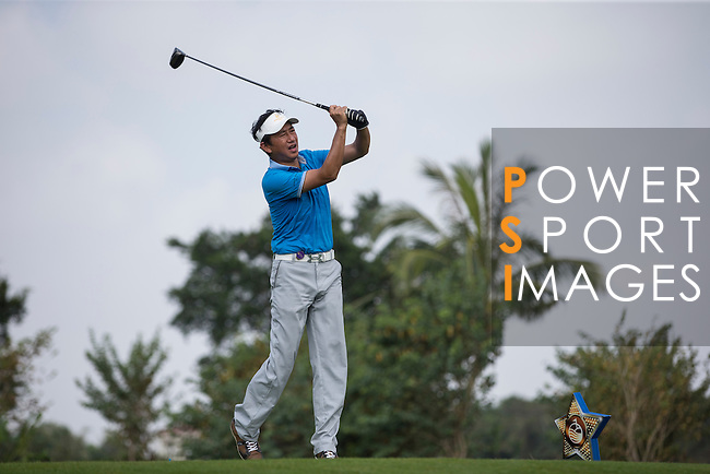 Wu Zhoutong plays during the World Celebrity Pro-Am 2016 Mission Hills China Golf Tournament on 23 October 2016, in Haikou, Hainan province, China. Photo by Victor Fraile / Power Sport Images