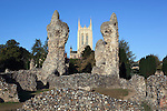 Great Britain, England, Suffolk, Bury St Edmunds: Ruins of the Abbey and tower of St Edmundsbury Cathedral