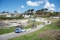 The North Atlantic is never far off: while the team cars drive through the sand down at the seashore, the peloton already moves up the hill<br /> <br /> 33th Tro Bro Léon 2016
