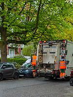 Müllabfuhr auf Curschmannstraße in Hamburg-Hoheluft-Ost, Deutschland, Europa<br /> garbage collection at Curschmann St.in Hamburg-Hoheluft-Ost, Germany, Europe