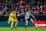 Antonio Latorre Grueso, Lato, of Valencia CF (R) fights for the ball with Daniel Rabaseda Antolin, Raba, of Villarreal CF (L) during the La Liga 2017-18 match between Valencia CF and Villarreal CF at Estadio de Mestalla on 23 December 2017 in Valencia, Spain. Photo by Maria Jose Segovia Carmona / Power Sport Images