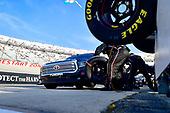 #46: Raphael Lessard, Kyle Busch Motorsports, Toyota Tundra Spectra Premium makes a pit stop