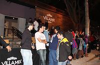 SÃO PAULO, 04 DE DEZEMBRO DE 2011 - COMEMORAÇÃO JOGADORES DO CORINTHIANS Movimentação á espera dos jogadores na festa de comemoração do Título do Corinthians no Brasileirão 2011 numa casa de shows na zona sul de SP. FOTO: MILENE CARDOSO- NEWS FREE