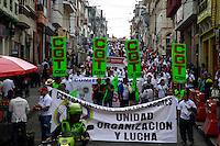 MANIZALES –COLOMBIA, 01-04-2013. Trabajadores y gente en general marchan hoy durante la conmemoración del Día Internacional del Trabajo en las calles de la ciudad de Manizales./ Workers and people in general march  today during International Work Day commemoration at Manizales streets. Photo: VizzorImage /Yonboni/Str