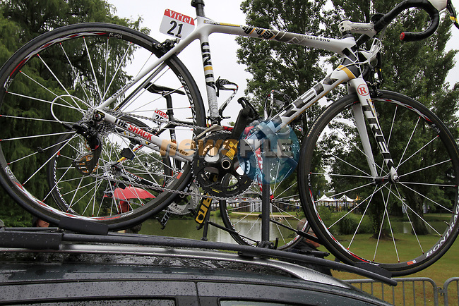 Lance Armstrong's (USA) Team Radioshack spare bike on the team car at sign on before the start of Stage 17 of the 2010 Tour de France at Palais Beaumont running 174km from Pau to Col du Tourmalet, France. 22nd July 2010.<br /> (Photo by Eoin Clarke/NEWSFILE).<br /> All photos usage must carry mandatory copyright credit (© NEWSFILE | Eoin Clarke)