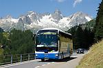 Switzerland, Canton Uri, coach at Sustenpass Road: Fuenffingerstock mountains with peaks Sustenhochspitz, Wendenhorn und Wasenhorn (f.l.t.r.)