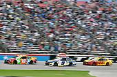 #18: Kyle Busch, Joe Gibbs Racing, Toyota Camry M&M's Summering and #9: Chase Elliott, Hendrick Motorsports, Chevrolet Camaro NAPA Auto Parts