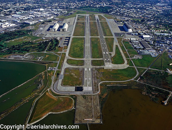 aerial photograph of final approach to Runways 14R and 14L at Moffett Field airport (NUQ), Mountain View, California