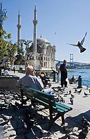 Europe/Turquie/Istanbul : Mosquée de Mecidiye - Quartier de Ortaköy