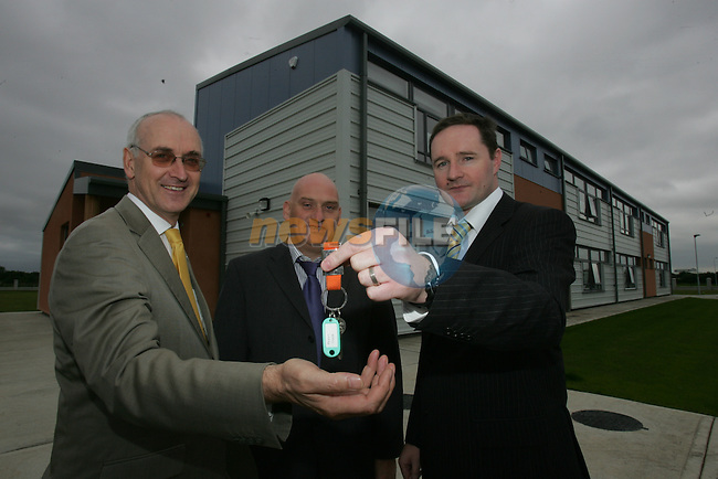 Hand Over...The New Educate together school at Aston Gate in Drogheda..Paul Rowe educate together, David OFarrell  Sammon Contracting and Austin Duffy Project Management handing over the keys to the new school..Photo: Fran Caffrey/ Newsfile.