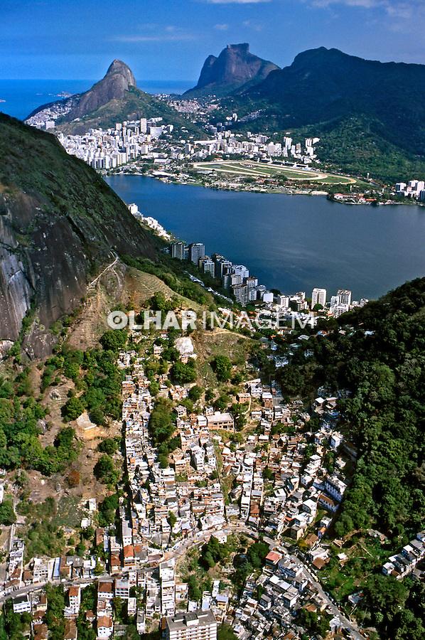 Favela do Cantagalo. Rio de Janeiro.  2003. Foto de Ricardo Azoury.
