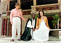 Mark Rylance directing Julius Caesar by William Shakespeare, With Danny Sapani as Marcus Brutus, Toby Cockerell as Portia, A Shakespeare's Globe Production Performed at The Shakespeare's Globe Theatre  in London in 1999 pic Geraint Lewis EDITORIAL USE ONLY