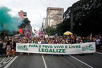 SÃO PAULO, SP 01.06.2019: MARCHA DA MACONHA-SP - Manifestantes e ativistas protestam contra a lei anti drogas, que criminaliza e proíbe o uso da maconha no Brasil, na tarde deste sábado, 01 na Avenida Paulista, zona central da capital paulista. (Foto: Ale Frata/Codigo19)