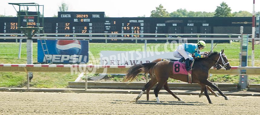 Blondecat winning at Delaware Park on 9/13/10