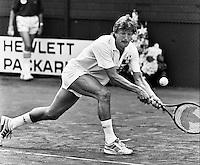 1987, Hilversum, Dutch Open, Melkhuisje, Benny Wijnstekers slaat een balletje met collega voetballers