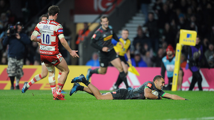 Joe Marchant of Harlequins scores a try during the Aviva Premiership Rugby match between Harlequins and Gloucester Rugby at Twickenham Stadium on Tuesday 27th December 2016 (Photo by Rob Munro/Stewart Communications)