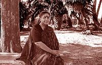Vandana Shiva, attivista, politica, ambientalista, si è battuta per cambiare pratiche e paradigmi nell'agricoltura, nell'alimentazione. Si è occupata anche di questioni legate ai diritti sulla proprietà intellettuale, alla biodiversità, alla bioetica. Cisternino, 22 agosto  2010. Photo by Leonardo Cendamo/Gettyimages