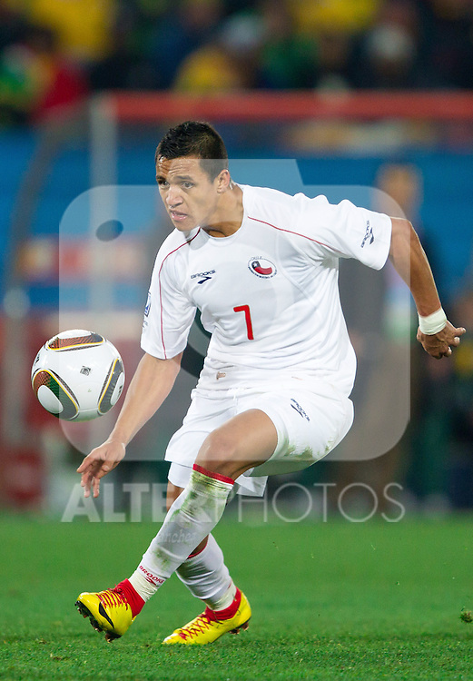 Alexis Sanchez of Chile during the 2010 FIFA World Cup South Africa. EXPA Pictures © 2010, PhotoCredit: EXPA/ Sportida/ Vid Ponikvar +++ Slovenia OUT +++