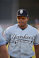 Staten Island Yankees center fielder Timmy Robinson (28) during warmups before a game against the Batavia Muckdogs on August 27, 2016 at Dwyer Stadium in Batavia, New York.  Staten Island defeated Batavia 13-10 in eleven innings.  (Mike Janes/Four Seam Images)