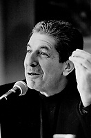 Leonard Cohen was all smiles and self-effacing humor meeting the press yesterday.<br /> <br /> <br /> Beaty, Keith<br /> Picture, 1992,<br /> <br /> <br /> Toronto Star Archives - AQP