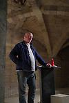 Lecture de Charles Pennequin<br /> <br /> Cadre : Festival Uzes danse 2013<br /> Lieu : Librairie le Parefeuille<br /> Ville : Uzes<br /> 15/06/2013<br /> © Laurent Paillier / photosdedanse.com