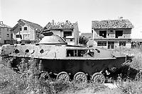 Kosovo, Serbian tank destroyed  by  NATO attacks with depleted uranium grenades (july 2000)<br /> <br /> - Kossovo, carro armato serbo distrutto dai bombardamenti NATO con proiettili all'uranio impoverito (luglio 2000)
