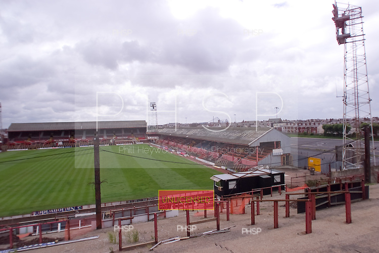 23/06/2000 Blackpool FC Bloomfield Road Ground..View south from home section of the Kop.....© Phill Heywood.