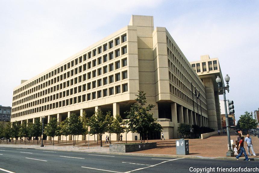 Washington D.C. : Hoover FBI Building. Photo '91.