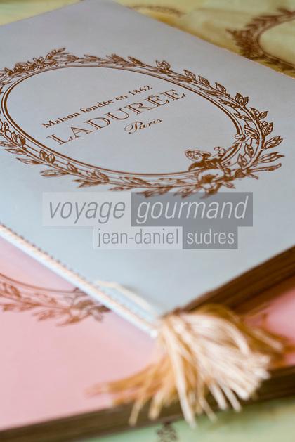 Europe/France/Ile-de-France/75008/Paris:  Carte des specialités de la  Patisserie Ladurée -Boutique Ladurée <br /> 16, rue Royale