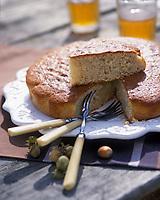 """Europe/France/Normandie/Basse-Normandie/61/Orne/Saint-Maurice-sur-Huisne : Gâteau à la noisette - Recette de Mme Scherer du restaurant-brocante """"Le Presbytère"""""""