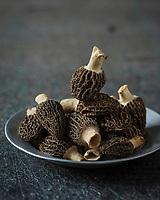 Gastronomie Générale: Morilles - Stylisme : Valérie LHOMME  // Gastronomy: Morels  (food stylist Valerie LHOMME)
