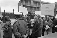 Manifestation de prestataires du bien etre social<br /> ,dans les rues de Montreal, 1972 <br /> <br /> PHOTO : Agence Quebec Presse -  Alain Renaud