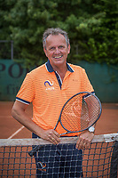 May18, 2017, Netherlands, Almere, Centerpoint Tennis Center, New Sjeng Schalken Tennis outfits for KNLTB staff, coach Alex Reijnders<br /> Photo: Tennisimages/Henk Koster