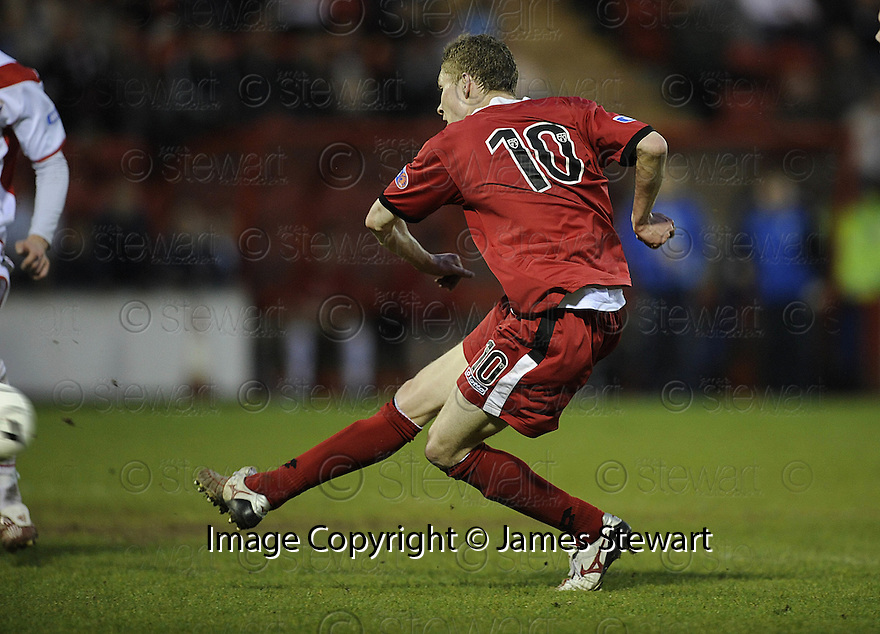 07/05/2008   Copyright Pic: James Stewart.File Name : sct_jspa05_airdrie_v_clyde.PAT CLARKE SCORES CLYDE'S GOAL.James Stewart Photo Agency 19 Carronlea Drive, Falkirk. FK2 8DN      Vat Reg No. 607 6932 25.Studio      : +44 (0)1324 611191 .Mobile      : +44 (0)7721 416997.E-mail  :  jim@jspa.co.uk.If you require further information then contact Jim Stewart on any of the numbers above........
