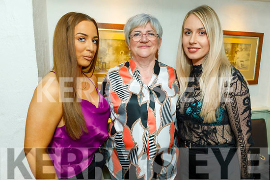 Michelle, Yolanda and Ann Nelligan enjoying the evening in Cassidys on Friday.