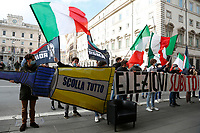 Flash mob of the students of Gioventu' Nazionale a right movement against the Government.<br /> Rome(Italy), January 14th 2021<br /> Photo Samantha Zucchi/Insidefoto