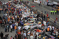 TOCANCIPA-COLOMBIA, 6-DICiEMBRE-2014.  Momentos previos a la largada de  las Seis Horas Motor-Mobil 1 que se disputo en el Autodromo de Tocancipa con la participacion de mas de 50  pilotos . /  moments prior to the start of the Six Hours Motor-Mobil 1 was played at the Autodromo Tocancipa with the participation of over 50 pilots .Photo / VizzorImage / Felipe Caicedo  / Staff
