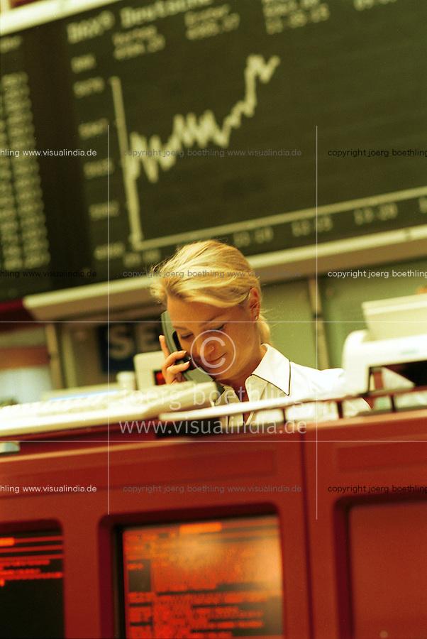 GERMANY, Frankfurt, stock exchange, financial trading / DEUTSCHLAND, Frankfurt, Börse, Handel von Aktien und Wertpapieren