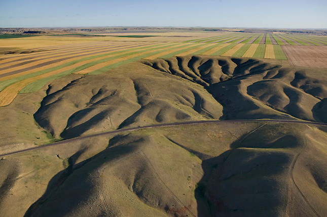 Erosion patterns and cultivated fields